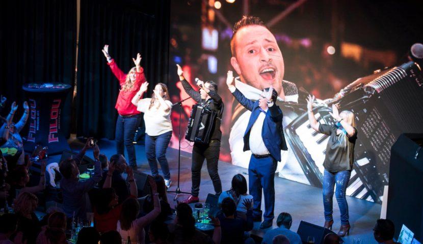 Bart Tommelein op podium Noordzeefestival